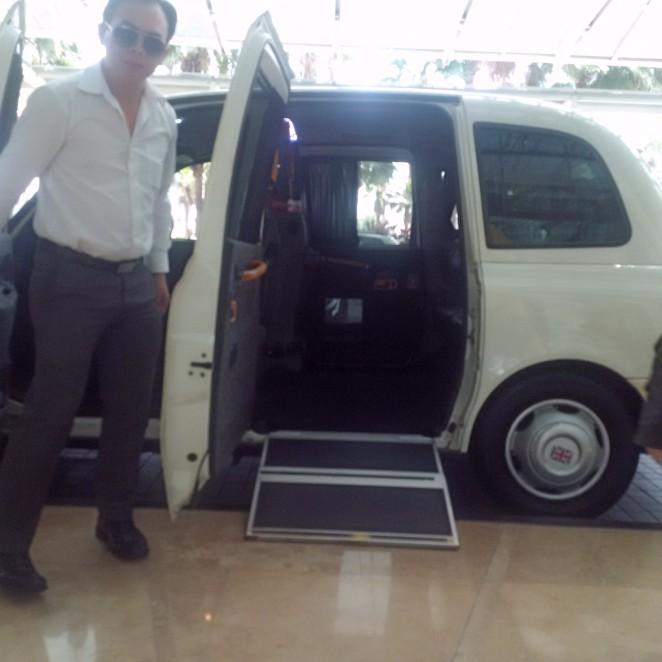 Kelvin taxi